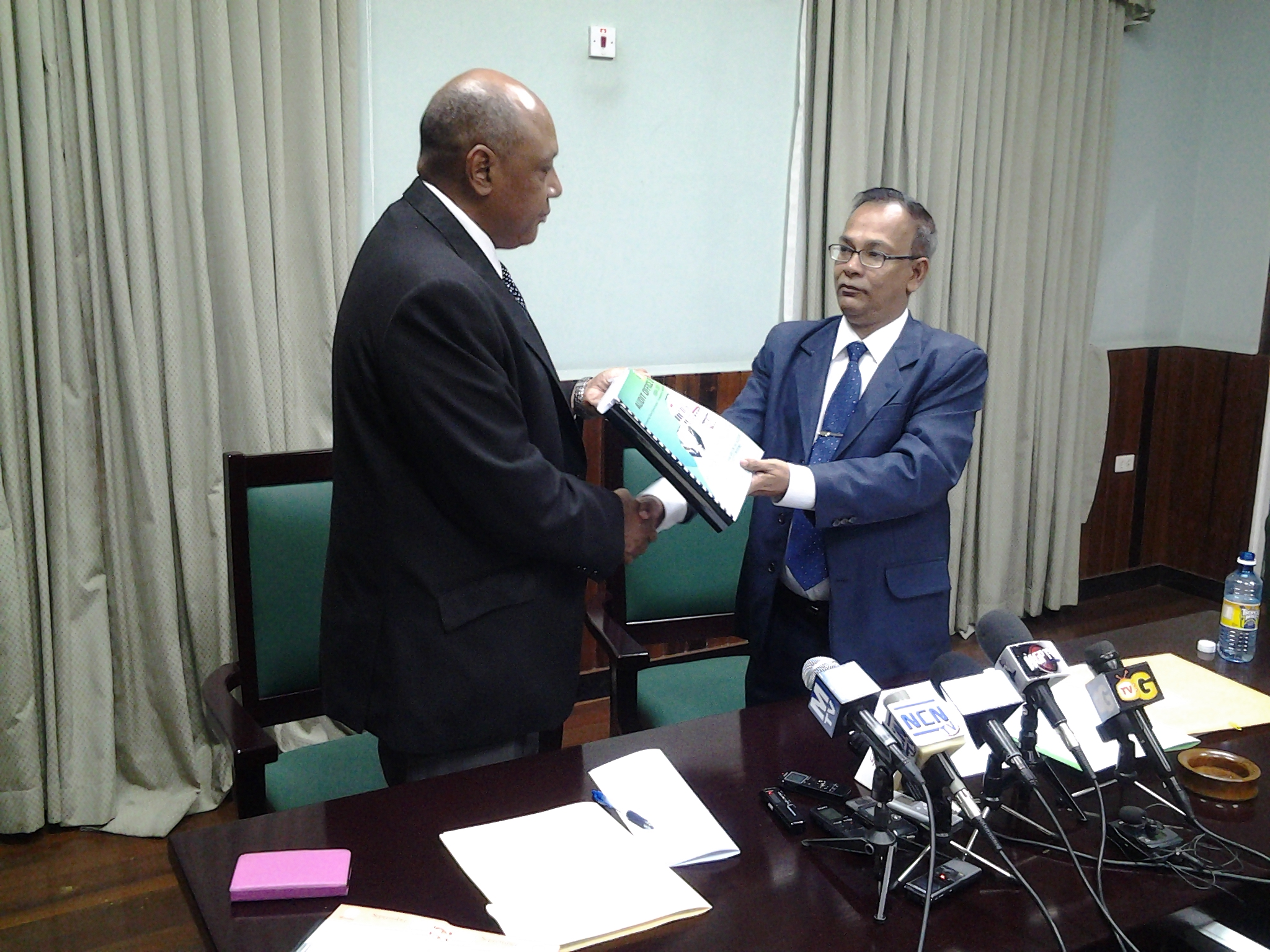 AG hands over report to Speaker